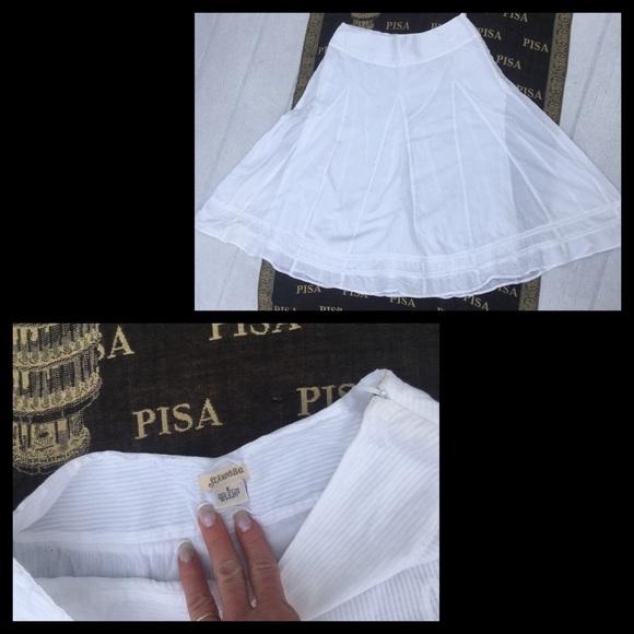 St. John's Bay Dresses & Skirts - 💋Vintage St. John's Bay White striped flowy midi